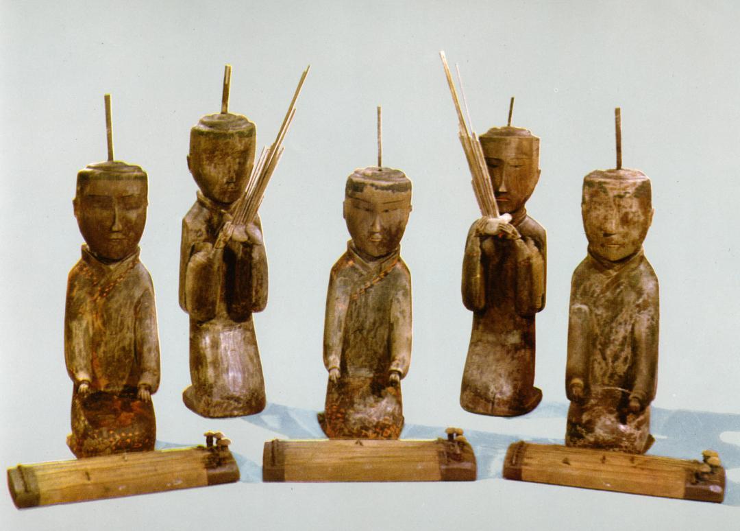 Wooden figurines