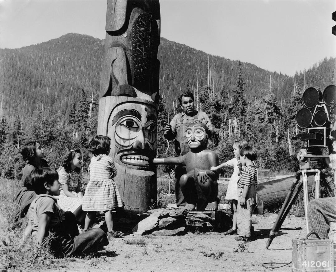 Henry Denny Sr. with his grandchildren
